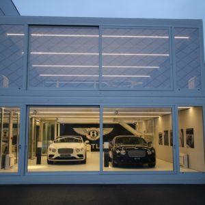panele-winylowe-salony-samochodowe